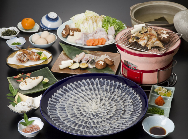 日間賀島のふぐ料理