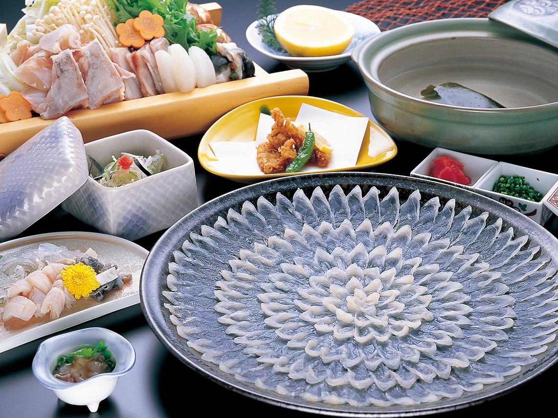 日間賀島のふぐ料理の写真